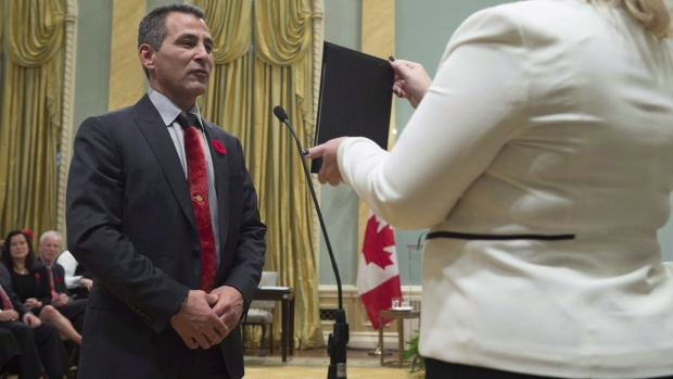 Hunter Tootoo is sworn in as Minister of Fisheries