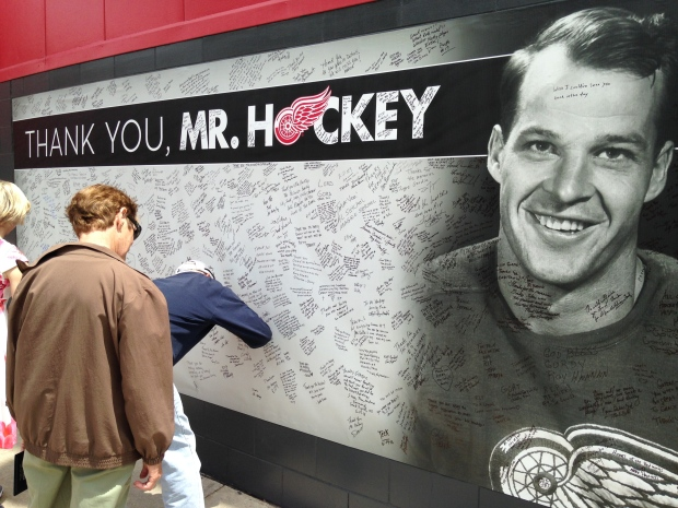 NHL stars and fans say goodbye to Gordie Howe at a visitation in Detroit on Tuesday, June 14, 2016. (Angelo Aversa / CTV Windsor)