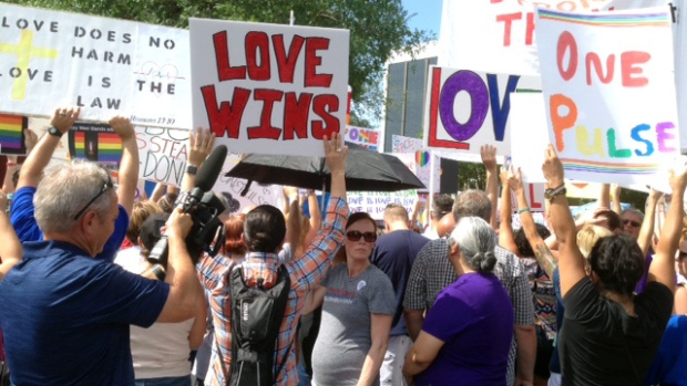 love wins in orlando crowd drowns out antilgbt funeral