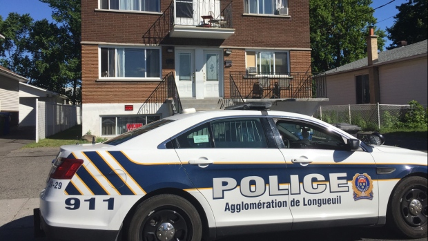 Longueuil police conduct warrants