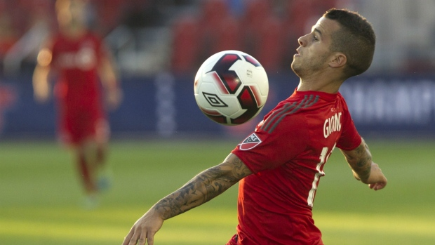 Toronto FC's Sebastian Giovinco brings the ball under control during first half Canadian Cup action against Vancouver Whitecaps in Toronto on Tuesday June 21, 2016. (Chris Young / THE CANADIAN PRESS)