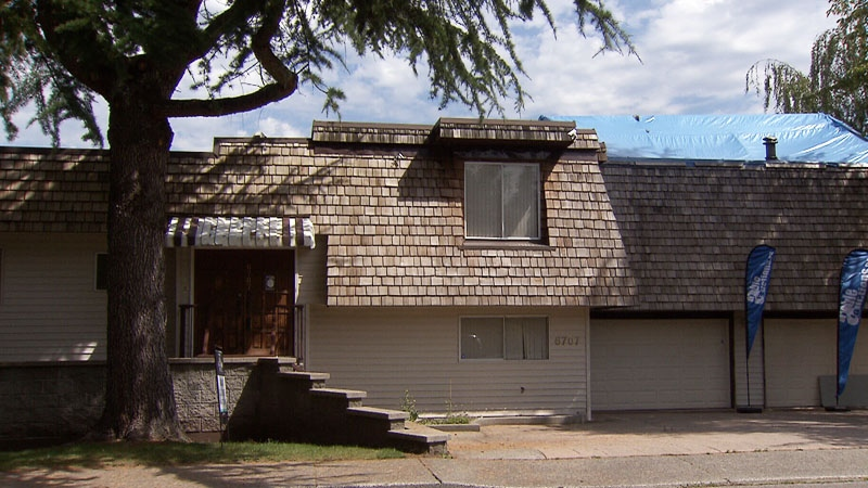 Bidders came up short in an auction for 6707 Burford St., a tear-down on a corner lot listed at $1.699 million.