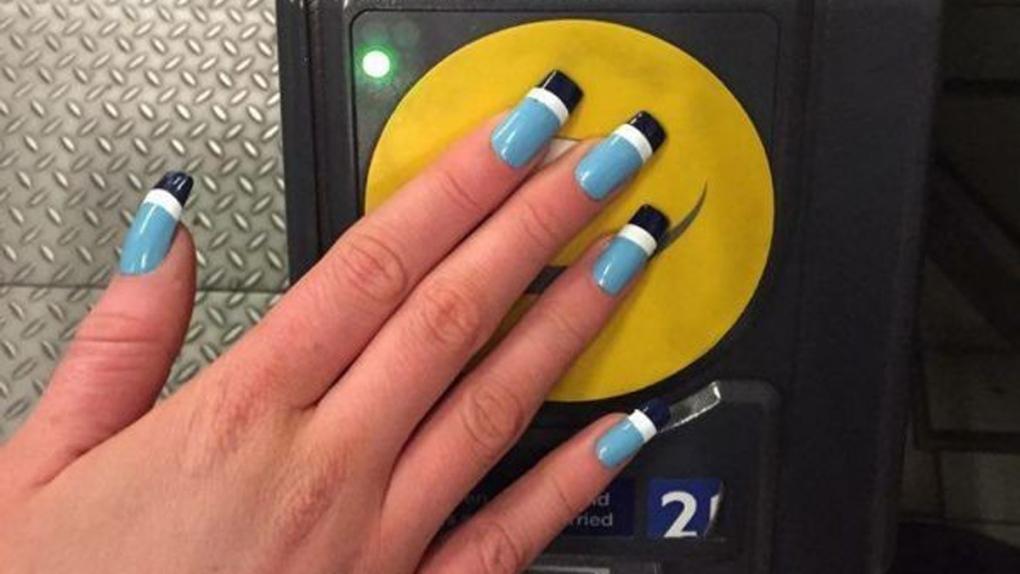 Lucie Davis Oyster card acrylic nails