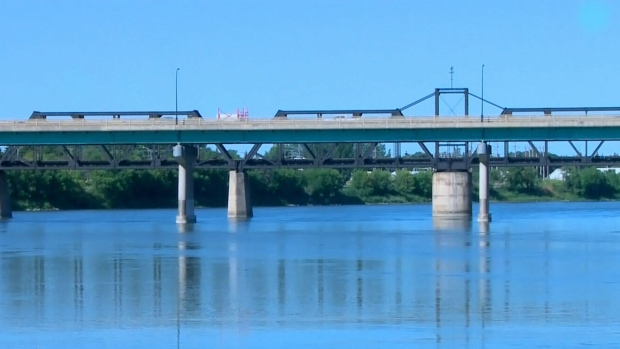 River flow expected to peak Friday in Prince Albert area, poses 'safety risk'
