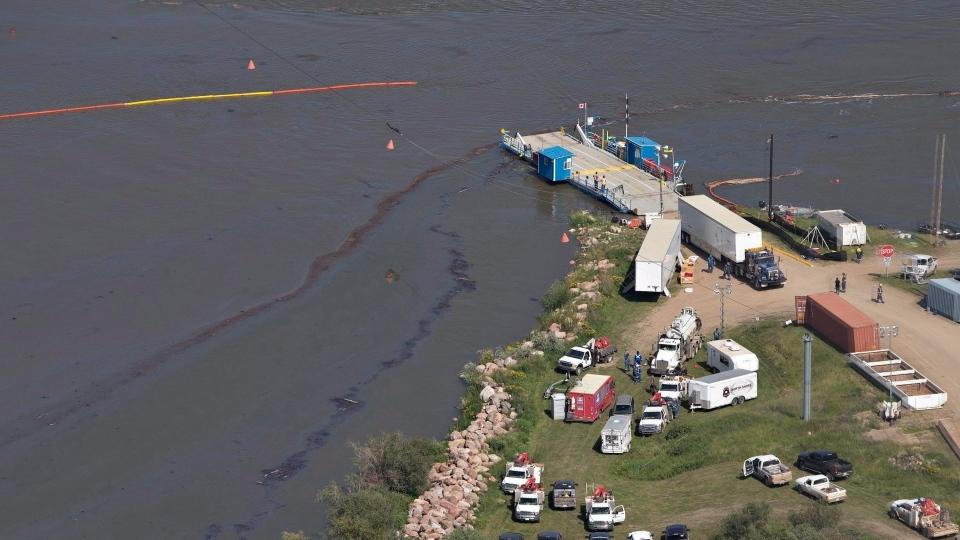 North Saskatchewan River oil spill