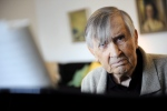 In this Oct. 9, 2008 file photo, Finnish composer Einojuhani Rautavaara is pictured at his home in Helsinki.(Mikko Stig/Lehtikuva via AP, file)