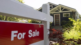 Some Toronto home sellers are finding their buyers are trying to renegotiate their deals at the last minute amid a cooling market. (File/THE CANADIAN PRESS)