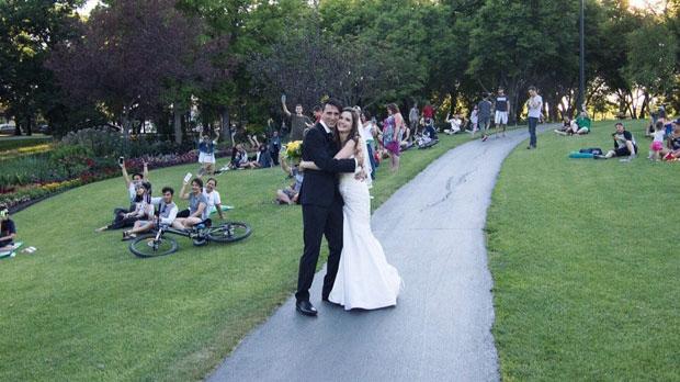 Pokemon Go Players Photobomb Couple's Wedding Photo