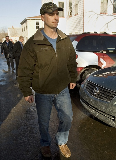 Paul Boudreau, Karissa Boudreau's biological father, leaves Penny Boudreau's murder trial in Bridgewater, N.S. on Friday, Jan. 30, 2009. (Andrew Vaughan / THE CANADIAN PRESS)