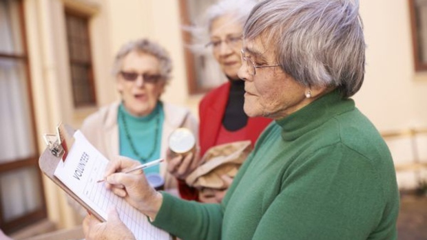 Volunteering Later in Life Can Enhance Mental Health