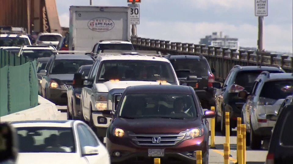 A provincial government traffic assessment predicts a congestion nightmare on the Alex Fraser Bridge if a George Massey Tunnel bridge replacement is tolled and pushes drivers to free alternatives.