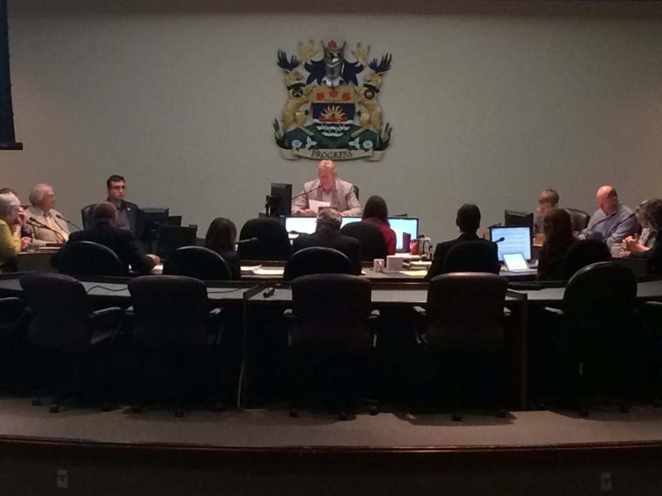 A multi-million dollar power deal was approved by City Council in Orillia, Ont. as it voted  to sell Orillia Power's distribution arm to Hydro One, on August 15, 2016 (CTV's Brandon Rowe)