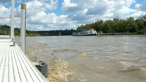 Rising levels of the North Saskatchewan River is seen on Aug. 24, 2016. (CTV)