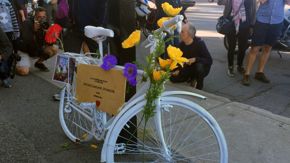 The ghost bike for Justine Charland St-Amour indicates the date of her death: August 22, 2016 (CTV Montreal/Angela MacKenzie)