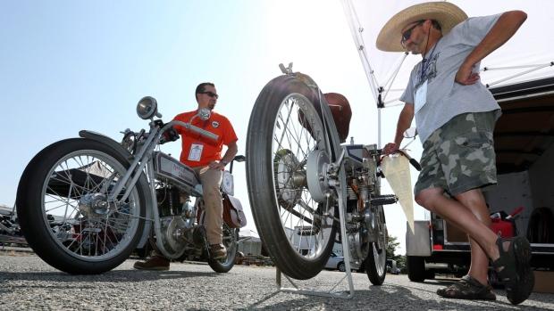 Preparing for the Motorcycle Cannonball in Atlantic City, N.J., on Sept. 8, 2016. (Mel Evans / AP)