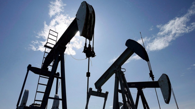 Oil plunges 20 per cent as another virus-fueled trading week begins