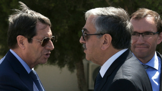 Cypriot leaders meet for peace talks