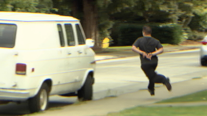 caught on camera  handcuffed suspect tries fleeing from