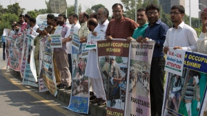 Supporters of Kashmiri party, All Parties Hurriyat Conference, gather to express their solidarity with Kashmiris resisting Indian rule, in Islamabad, Pakistan, Thursday, Sept. 22, 2016. (B.K. Bangash/AP)