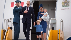 The Duke and Duchess of Cambridge and their children Prince George and Princess Charlotte arrive in Victoria, B.C., on Saturday, September 24, 2016. (Darryl Dyck / THE CANADIAN PRESS)