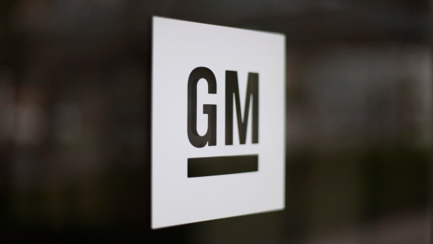 GM workers accept tentative agreement