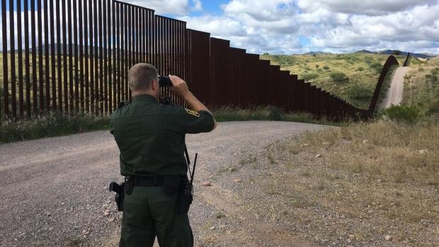 U.S. Customs and Border Protection Agent John Lawson patrols the U.S.-Mexico border. (CTV/Will Dugan)