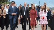 Prime Minister Justin Trudeau, left to right, the Duke of Cambridge, Sophie Gregoire Trudeau, and the Duchess of Cambridge take a walk at the Kitsilano Coast Guard station, in Vancouver on Sunday, Sept. 25, 2016. THE CANADIAN PRESS/Jonathan Hayward