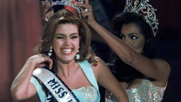 Clinton at debate: Trump called Miss Universe 'Miss Piggy'