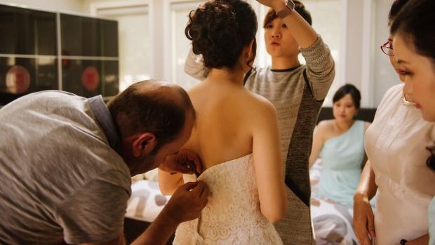 Wedding dress fixed
