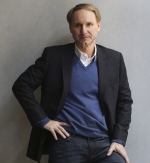 In this May 13, 2013 file photo, author Dan Brown poses for a portrait in New York. (AP / Seth Wenig)