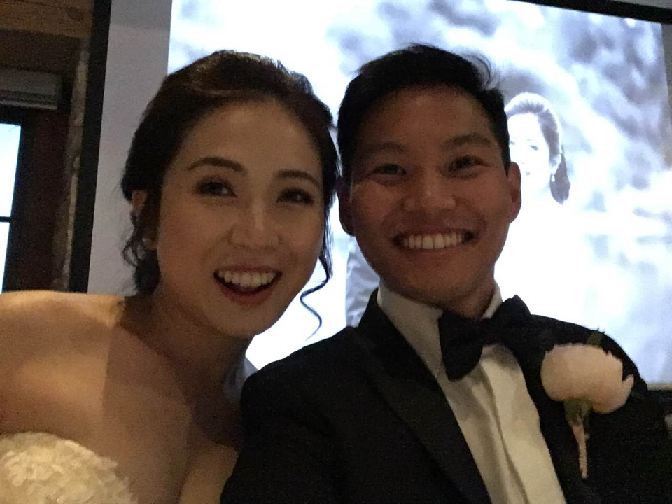 Jo Du and Earl Lee pose for a selfie on their wedding day. (photo courtesy Earl Lee)
