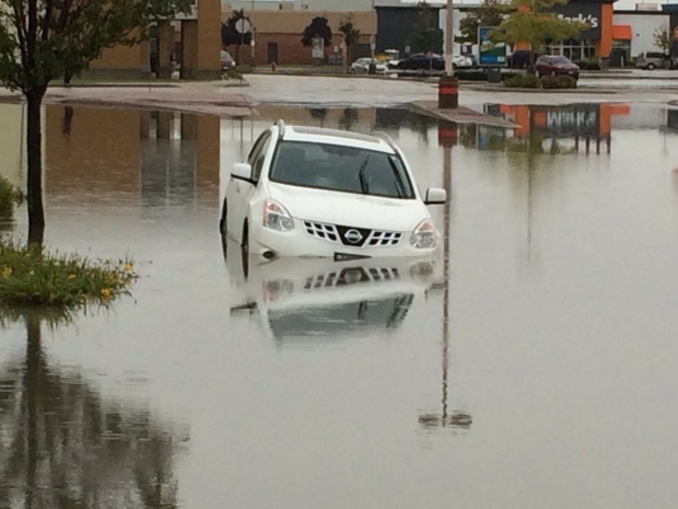 Heavy rainfall wreaks havoc in Windsor and Tecumseh, Ont., on Thursday, Sept. 29, 2016. (CTV Windsor)