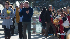 The Duke and Duchess of Cambridge greet people in Carcross, Yukon, Wednesday, Sept 28, 2016. (THE CANADIAN PRESS/Jonathan Hayward)