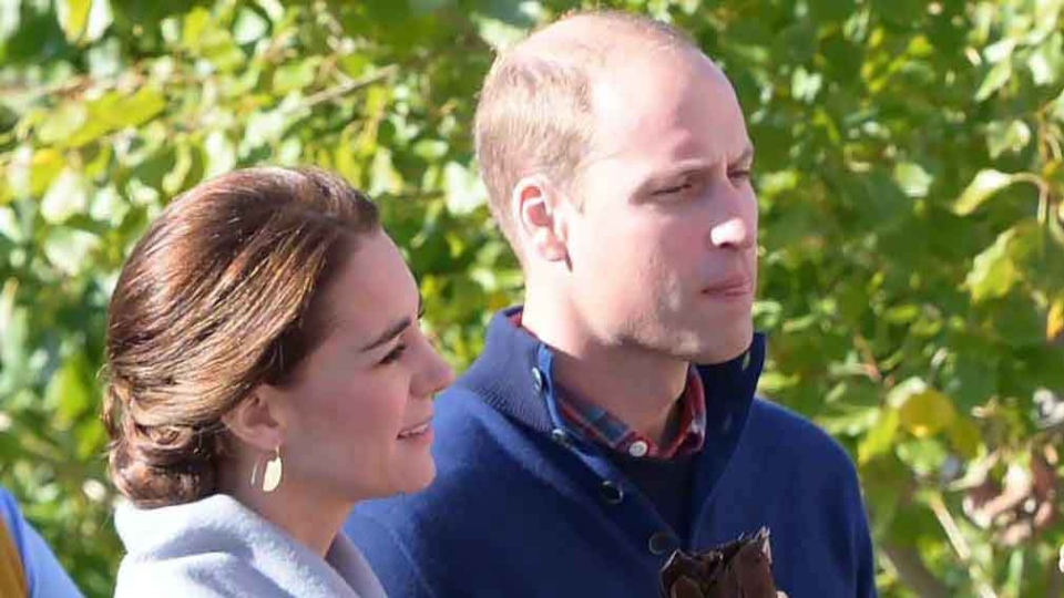 The Duchess of Cambridge and Prince William at a welcoming ceremony in Carcross, Yukon, Wednesday, Sept. 28, 2016. (THE CANADIAN PRESS/Jonathan Hayward)