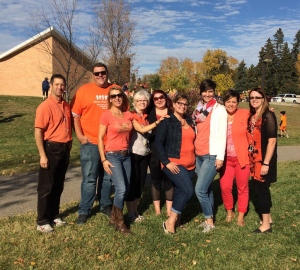 Staff members are shown wearing orange shirts at Grant Road Elementary School in Regina, Sask., on Sept. 30, 2016. (Soula Selimos / Twitter)