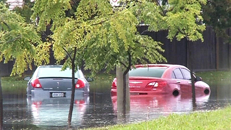 Vehicles submerged in floodwater. (CTV Windsor)