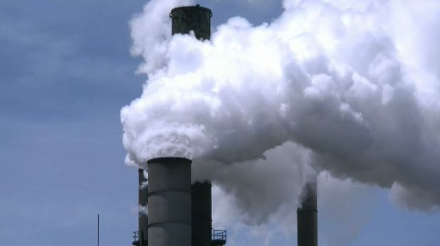 Climate policy expert lauds federally-imposed carbon price