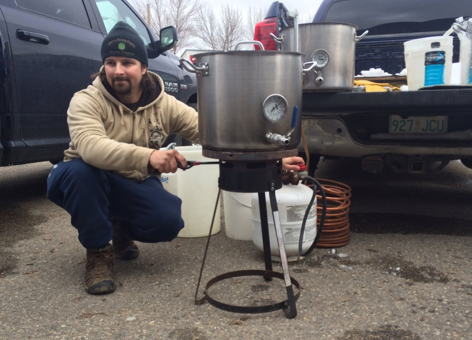 """Brewers create wort at """"Teach a Friend to Home Brew Day"""" on October 8, 2016. (Cally Stephanow/CTV Regina)"""