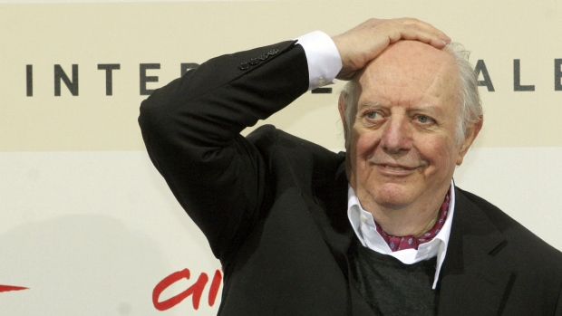 Dario Fo: Italian actor, playwright and Nobel laureate dies