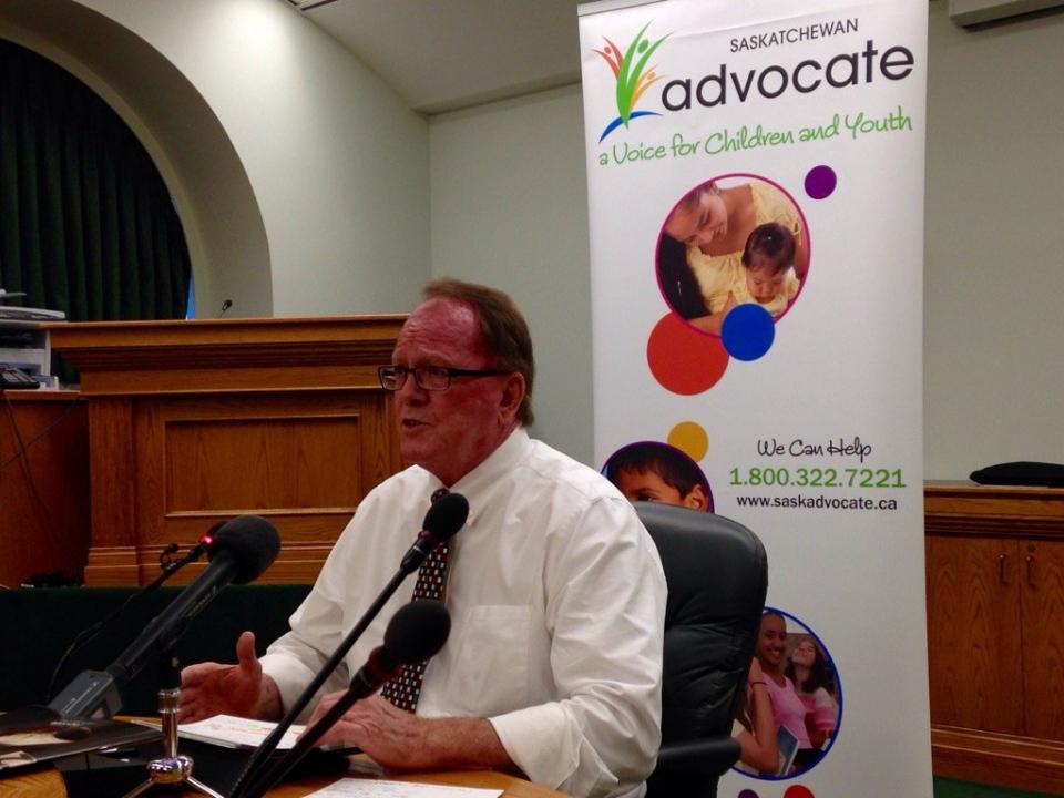 Saskatchewan children's advocate Bob Pringle speaks at a news conference in Regina on Thursday, Oct. 13, 2016. (WAYNE MANTYKA/CTV REGINA)