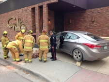 Car crashes into Golf's Steak House