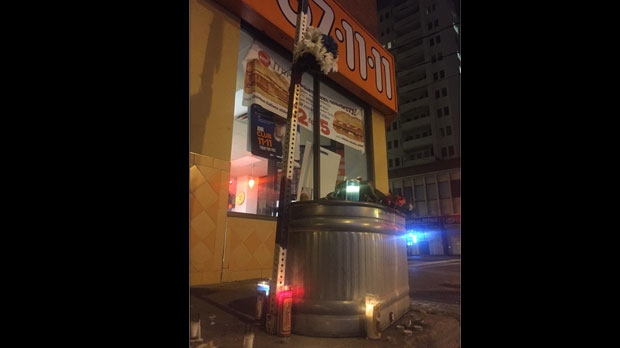 Pizza Pizza, memorial