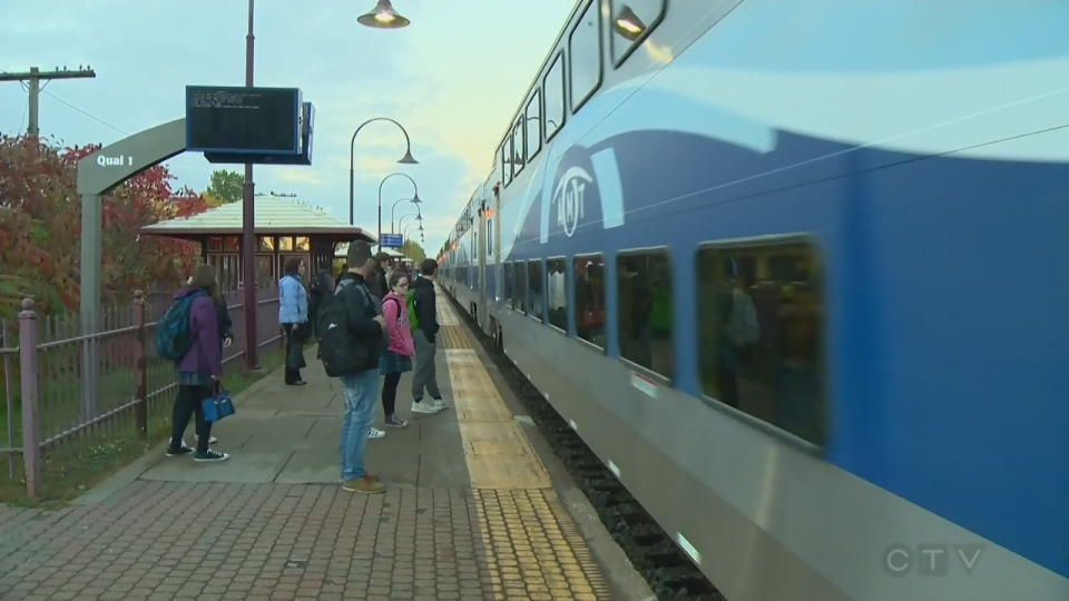 Train pulls into Pointe Claire station