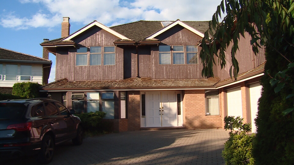 One home on Sunnymede Cescent in Richmond advertises six rooms for rent, even though the city only allows owners two short-term rental guests at a time. (CTV)