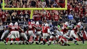 Arizona Cardinals kicker Chandler Catanzaro (7) misses a game-winning field goal attempt on Oct. 23, 2016, in Glendale, Ariz. (Rick Scuteri / AP)