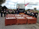 Thiessen Apple Orchard donates 9,000 pounds of apples to CAS in Leamington, Ont., on Monday, Oct. 24, 2016. (Chris Campbell / CTV Windsor)