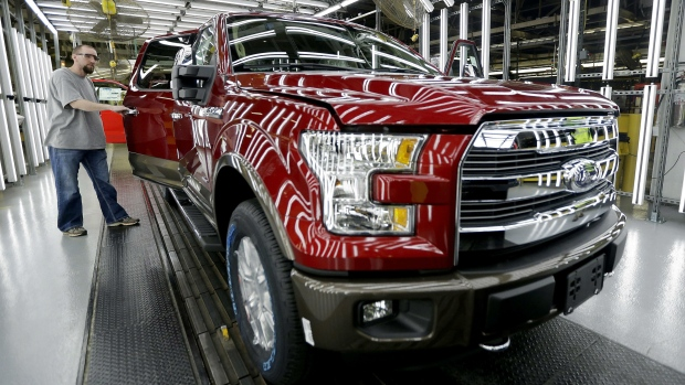 Pickup trucks score poorly in headlight tests