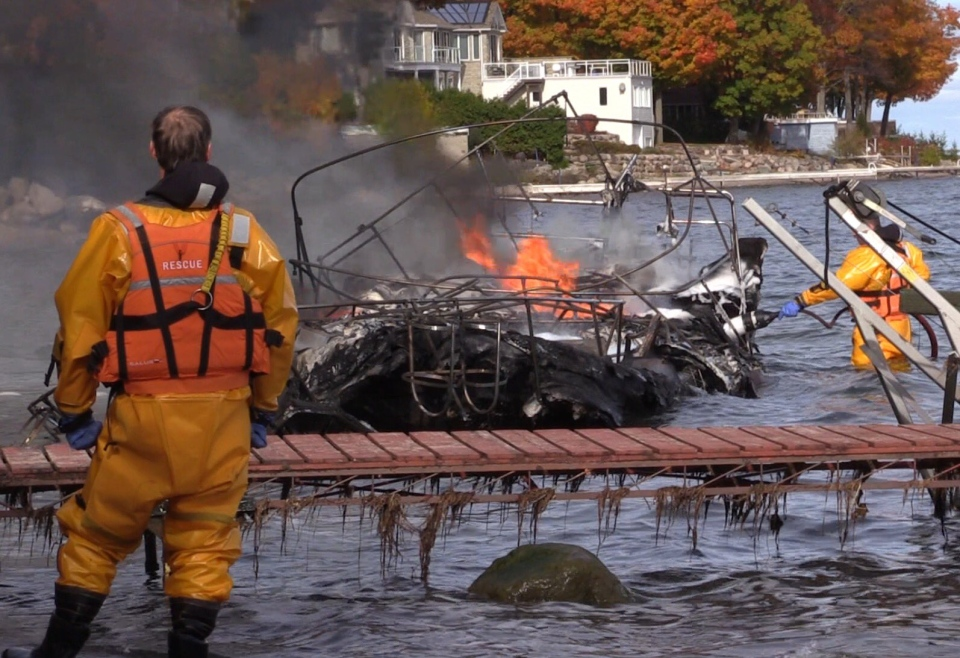 Fire destroyed a boat on Georgian Bay, near Penetanguishene, Ont. on Wednesday, Oct. 26, 2016. (Roger Klein/ CTV Barrie)