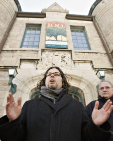 Patrick Bourgeois, of the Reseau de Resistance du Quebecois, reacts as he stands outside the Plains of Abraham discovery building after the National Battlefields Commission announced the cancellation of the reconstitution of the historic battle Tuesday, Feb. 17, 2009 in Quebec City.  (Jacques Boissinot / THE CANADIAN PRESS)