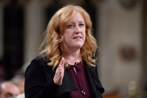 Conservative MP Lisa Raitt asks a question during Question Period in the House of Commons in Ottawa on Monday, Oct.3, 2016. (THE CANADIAN PRESS/Adrian Wyld)